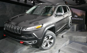 2014 Jeep Cherokee leaks2